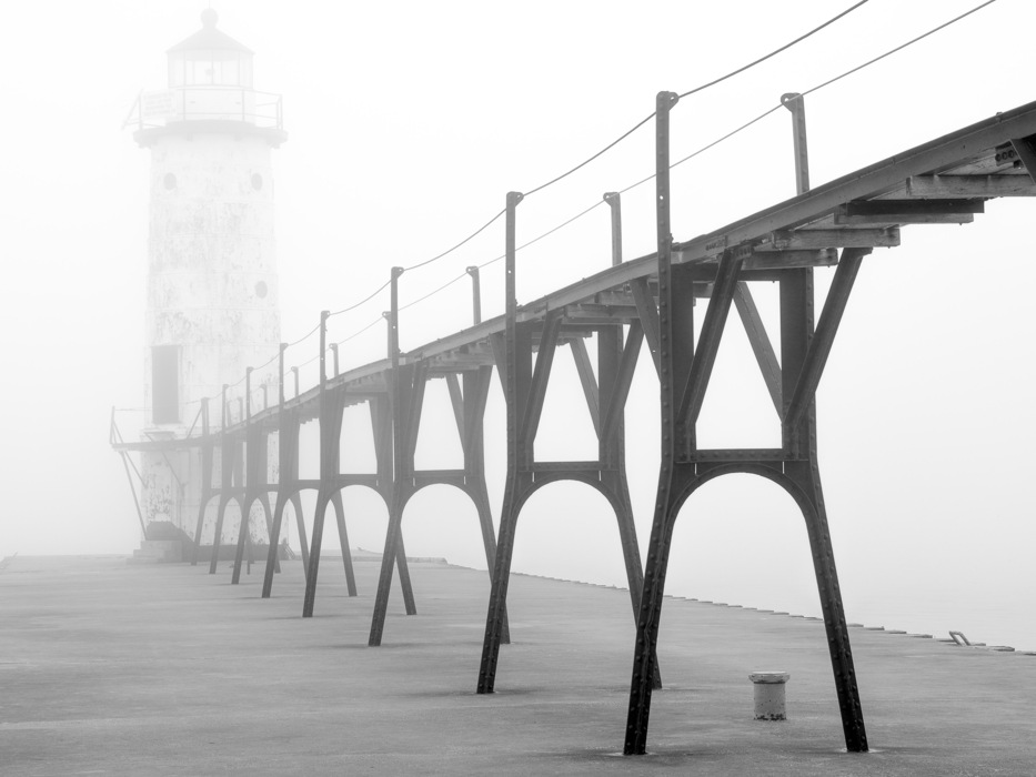 photoblog image Manistee Lighthouse Pier - 2 of 2